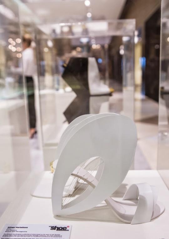 Level Vogue Exhibition Dubai (1)